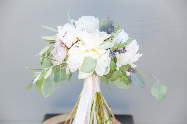 Soft romantic garden style Tucson bridal bouquet