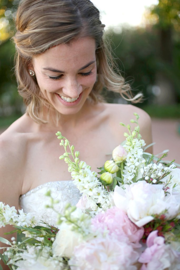 Tucson bride - Soft, romantic garden style bridal bouquet