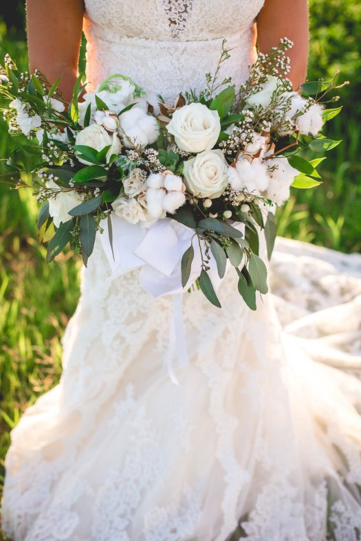 rustic cotton ranch inspired wedding bouquets